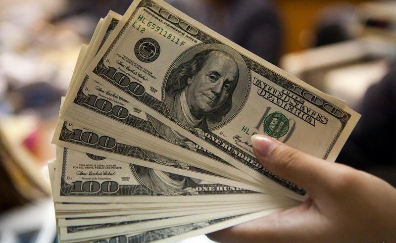 قیمت ارز در بازار آزاد 7 مهر 97/ قیمت دلار 17 هزار و 280 تومان شد