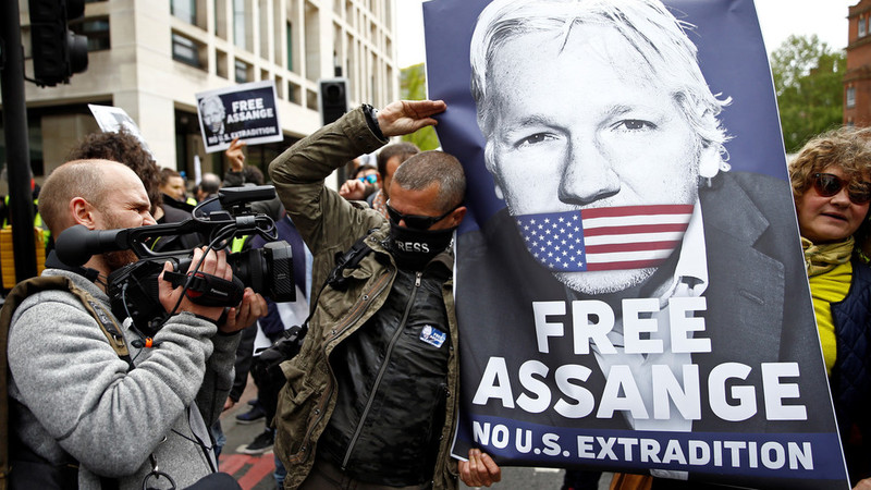 US submits formal extradition request for Julian Assange