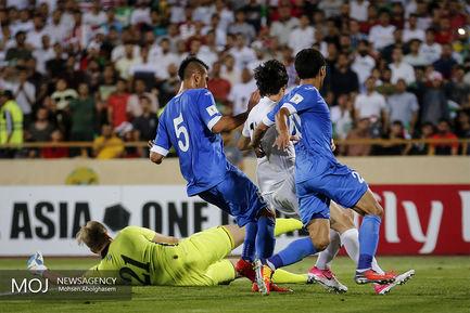 دیدار تیم های ملی فوتبال ایران و ازبکستان