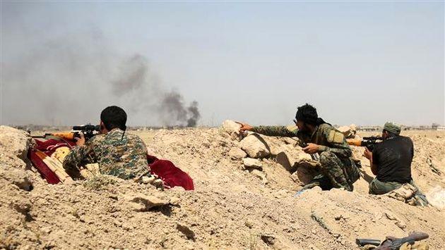 داعش در منطقه بین السخنه و دیرالزور به محاصره نیروهای ارتش سوریه در آمدهاند