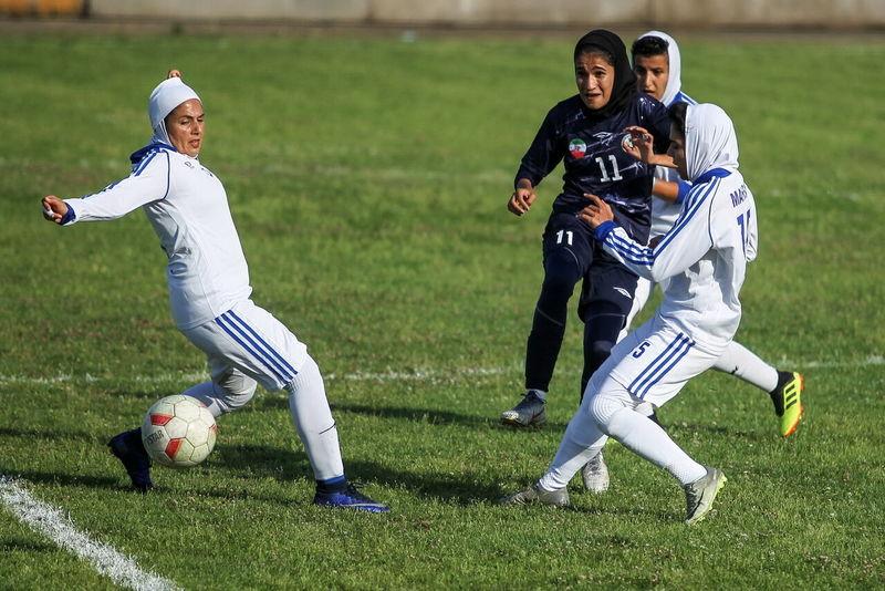 تیم فوتبال بانوان البرز بازی را سه بر یک به شهرداری بم واگذار کرد