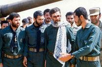 تصاویر رهبر معظم انقلاب اسلامی در لباس پاسداری