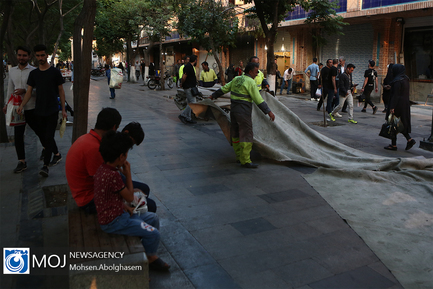 طولانیترین سفره افطار ساده در بازار تهران