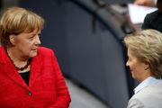 واکنش آنگلا مرکل به استعفای وزیر دفاع آلمان