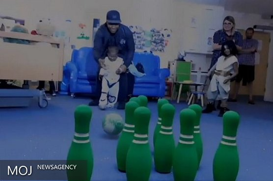 ستاره «جنگ ستارگان» از بچههای بیمار عیادت کرد + تصاویر