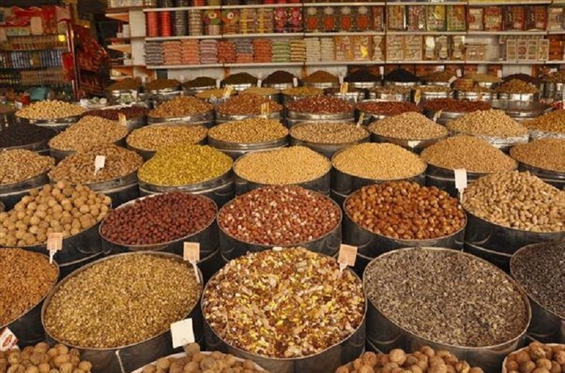 قیمت آجیل در بازار جهانی ارزانتر از ایران/تلاش رییس اتحادیه آجیل برای فروش آجیل گران به مردم