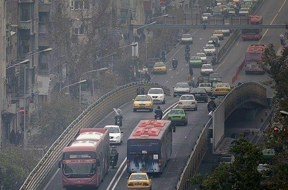 هوای تهران برای تردد گروه های حساس مناسب نیست