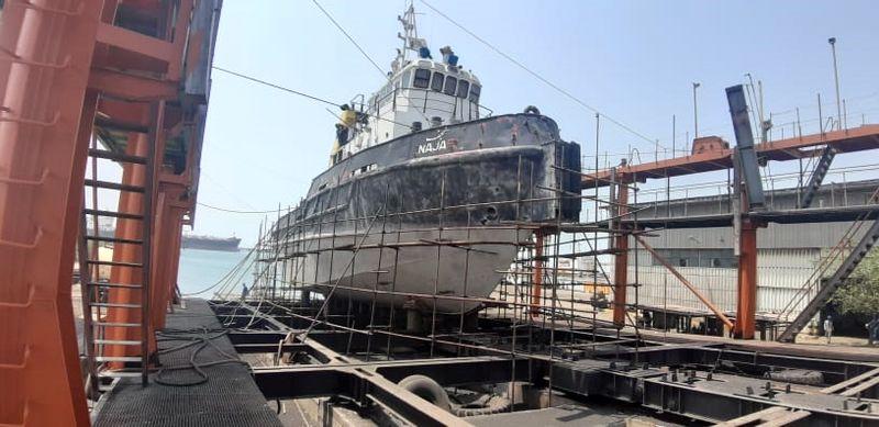 تعمیرات اساسی 11 فروند شناور در بندر شهید رجایی در سال 99