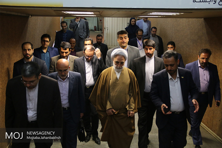 بازدید معاون اول قوه قضاییه از نمایشگاه توانمندسازی زندانیان اصفهان