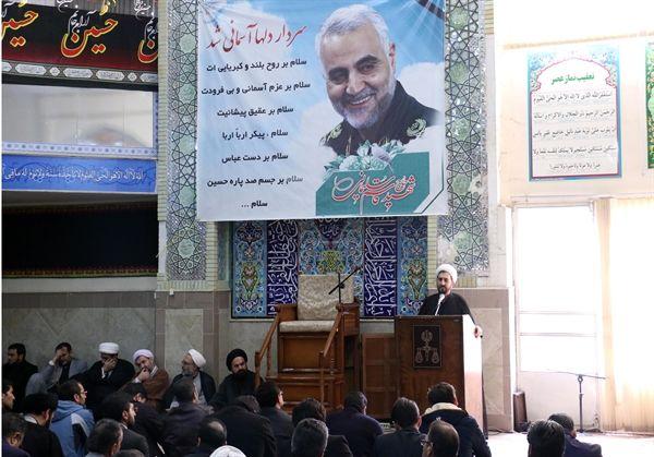 شهادت سردار سلیمانی انقلاب را در دل مردم شکوفا کرد
