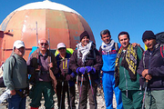 صعود تیم کوهنوردی شرکت آب و فاضلاب قم به قله توچال