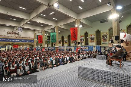 دیدار جمعی از شرکتکنندگان در اردوهای راهیان نور