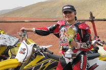 قهرمانی بانوی موتورسوار هرمزگانی در رقابت های موتورکراس بانوان کشور