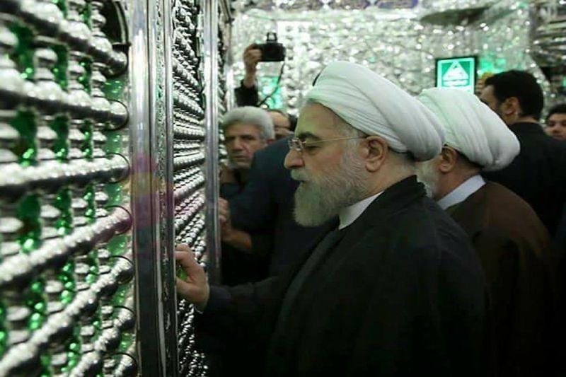 روحانی به زیارت حرم امامین کاظمین رفت