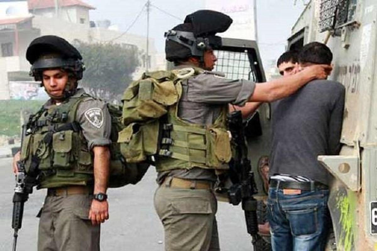 برخورد عمدی خودروی نظامیان صهیونیست با خودروی حامل کارگران فلسطینی