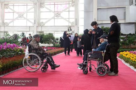 بازدید رییس شورای شهر تهران از نمایشگاه گل و گیاه