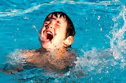 غرق شدن کودک 5 ساله در استخر آب پسماند