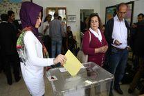 مردم ترکیه به حکومت ریاستی رای می دهند