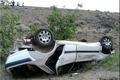 کشته و مجروح شدن دو نفر بر اثر حادثه واژگونی خودرو در هرمزگان