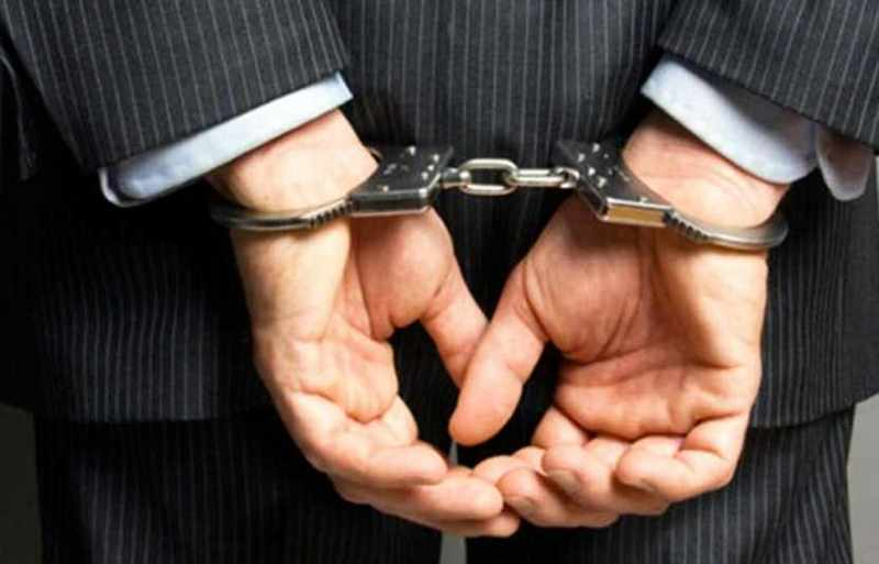 قاضی قلابی کلاهبردار دستگیر شد