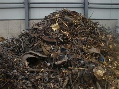پلمب 130واحد غیرمجاز دپوی ضایعات/ ساخت سوله دپو ضایعات در محدوده قیام دشت