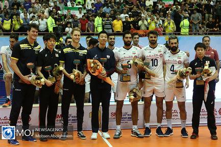 اهدای بیستمین جام قهرمانی والیبال آسیا به ایران