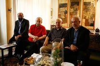 رییس سازمان فرهنگی هنری به عیادت کشاورز رفت