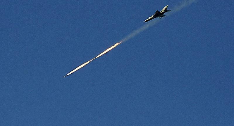 ارتش سوریه مواضع داعش را بمباران کرد