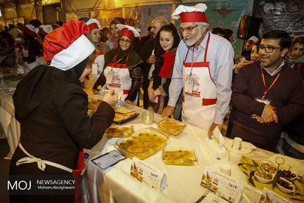 جشنواره غذا و سفره های رنگین