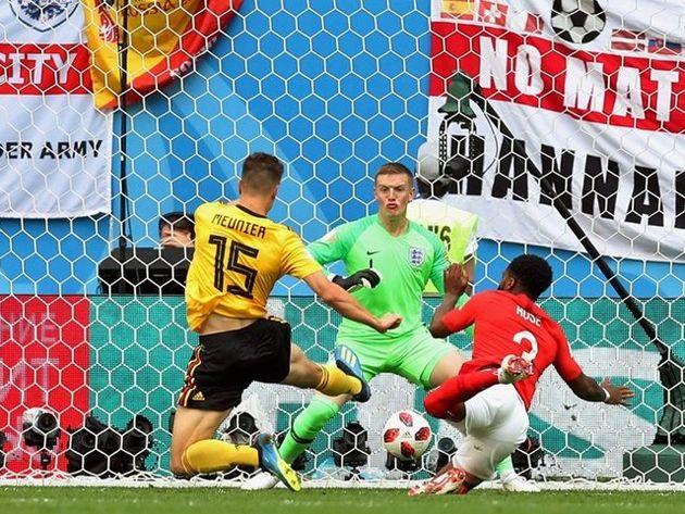 برتری بلژیک مقابل انگلیس در نیمه نخست