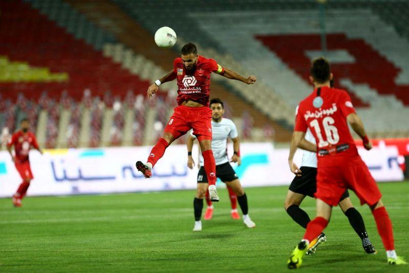 نتیجه بازی پرسپولیس و شاهین شهرداری بوشهر در نیمه نخست