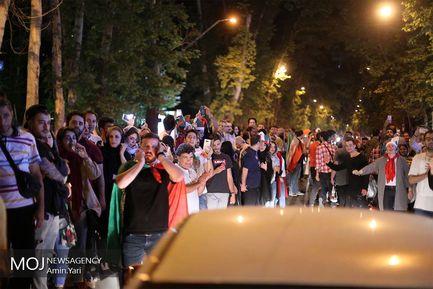 شادی مردم در خیابان های تهران پس برد مقابل مراکش در رقابت های جام جهانی فوتبال 2018