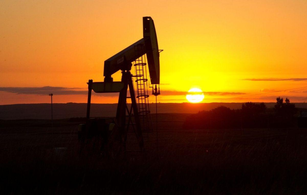 کاهش قیمت جهانی نفت در معاملات امروز ۲۰ آبان ۹۹