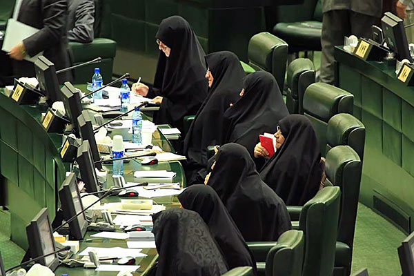 دولتمردان نگرش امام خمینی و مقام معظم رهبری را در مورد زنان درک نکرده اند