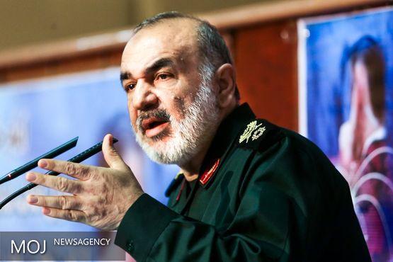 ملتی که لباس جهاد از تن خارج کند، لباس ذلت بر تن خواهد کرد