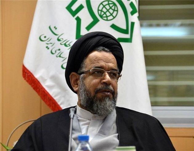 وزیر اطلاعات: داشتن «گرین کارت» تابعیت محسوب نمیشود