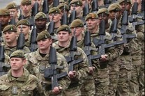 وقتی انگلیس بازوی نظامی آمریکا می شود
