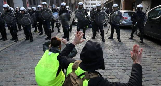 جنبش جلیقه زردها به دیگر اعضای اتحادیه اروپا نیز سرایت خواهد کرد؟