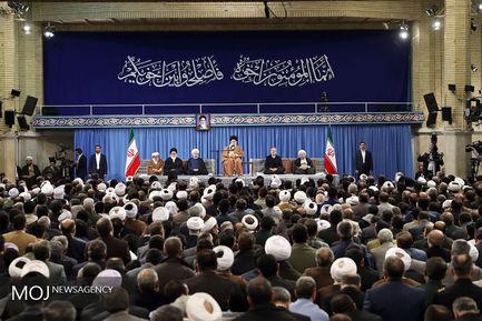 دیدار+مسئولان+نظام+و+میهمانان+کنفرانس+وحدت+اسلامی_+با+مقام+معظم+رهبری (1)