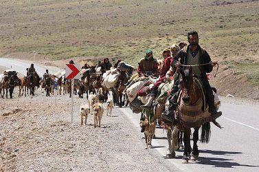بیش از 3 هزار کارت تردد برای عشایر کرمانشاه به قشلاق صادر شد