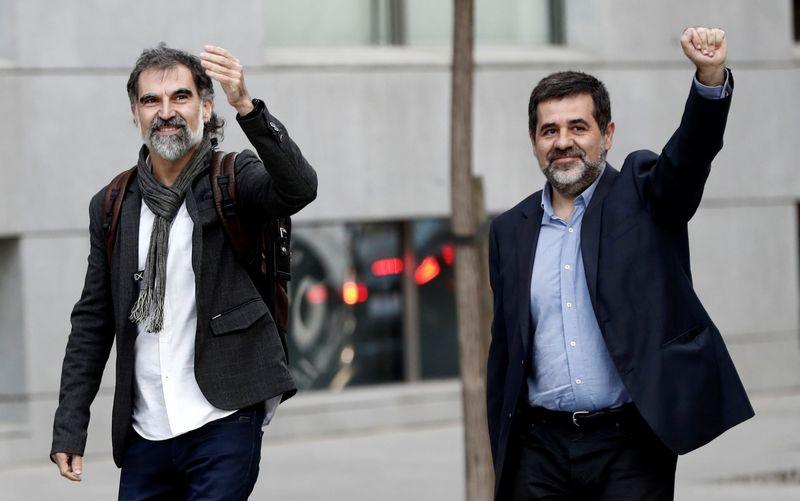 حکم بازداشت دو نفر از رهبران جدایی طلب توسط دادگاه اسپانیا صادر شد
