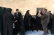 حضور بیت امام خمینی(ره) در شعبه اخذ رای جماران