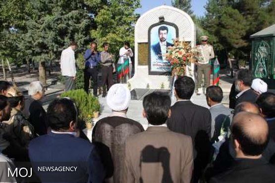 مزار شهید محمود صارمی در بروجرد گلباران شد