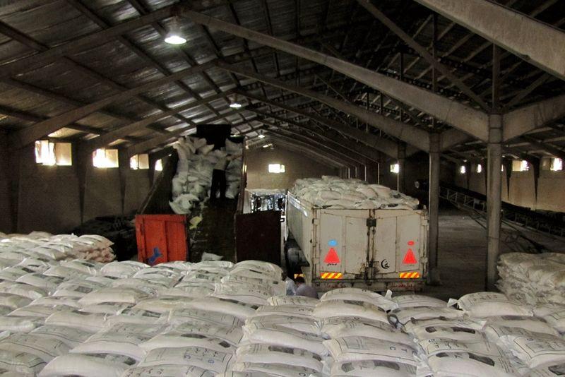 محموله ۶۶ هزار تنی شکر خام وارد بندرعباس شد