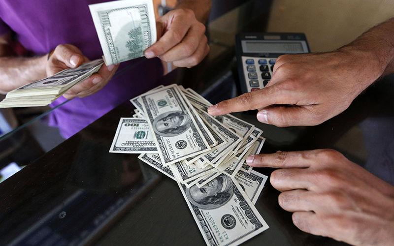 قیمت ارز در بازار آزاد 3 شهریور/ قیمت دلار 10520 تومان شد