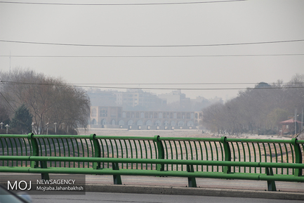 هوای اصفهان در مرز بحران