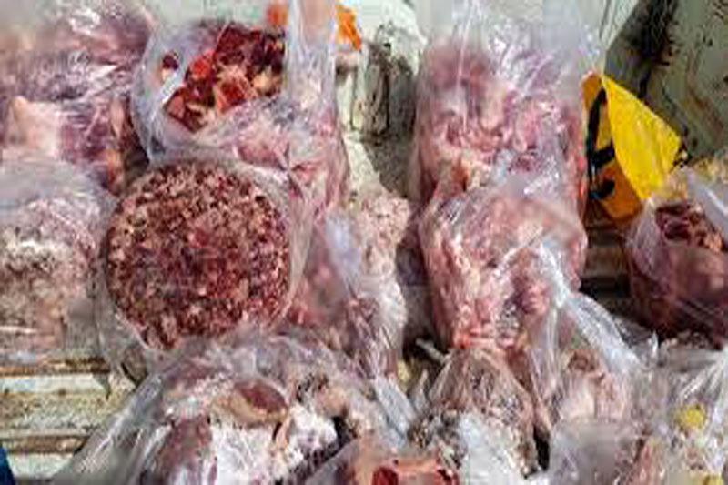 کشف و توقیف 270 کیلوگرم فرآورده های خام دامی غیر مجاز در اردستان