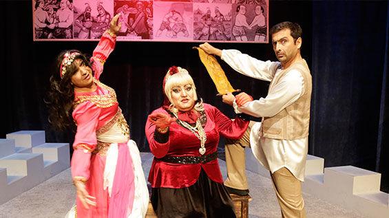 نمایش بنگاه تئاترال در پردیس تئاتر شهرزاد