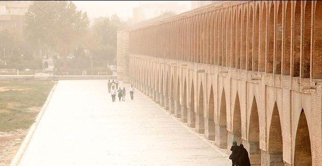 هوای اصفهان برای گروه های حساس ناسالم است / شاخص کیفی هوا 102