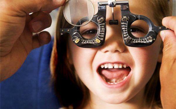 انتقاد از تضعیف جایگاه اپتومتری/ضرورت دسترسی به خدمات بینایی سنجی